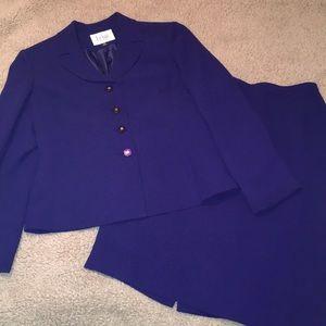 Le Suit 2 pc Career Skirt Set Sz 8P